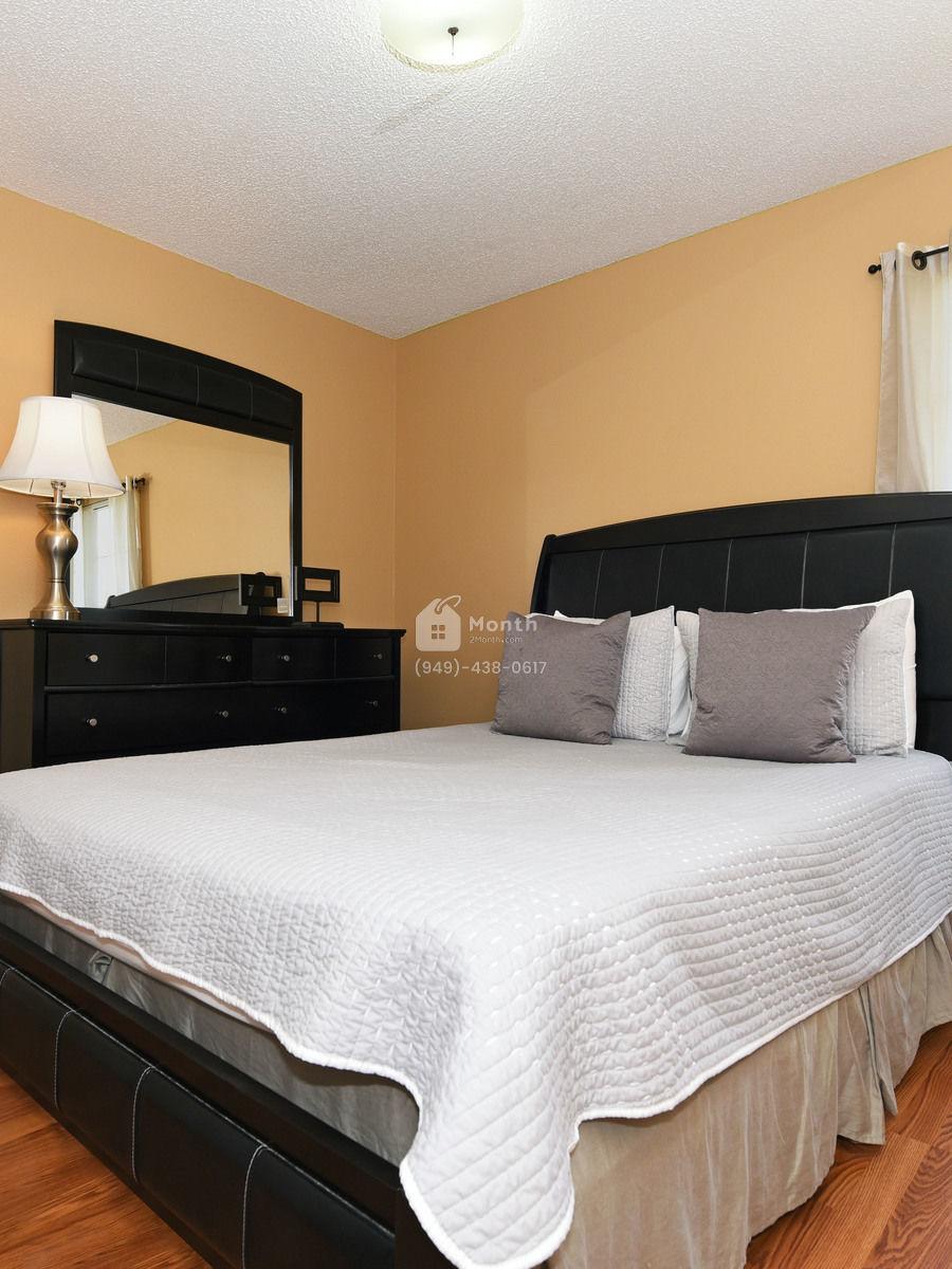 Portrait original bedroom 5